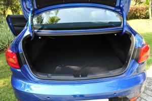 速迈行李箱空间图片