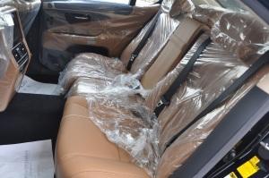 雷克萨斯LS后排座椅图片