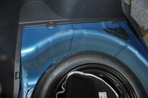 现代瑞纳两厢 备胎品牌