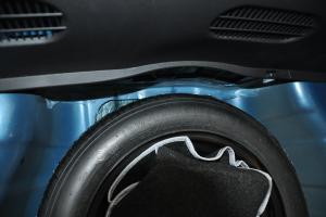现代瑞纳两厢 备胎规格