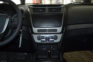 吉利SX7中控台整体图片
