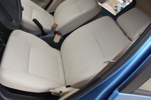 启腾M70驾驶员座椅图片
