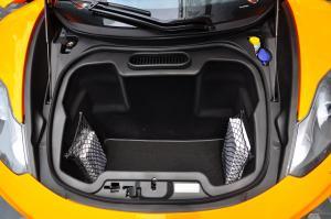迈凯伦MP4-12C 行李箱空间