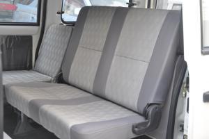 众泰V10 后排座椅