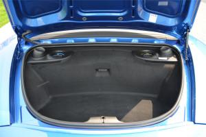 保时捷Boxster行李箱空间图片