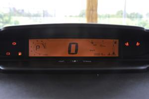 雪铁龙世嘉两厢 仪表盘背光显示