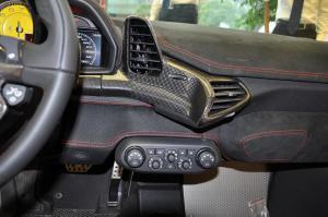 进口法拉利458 中控台正面