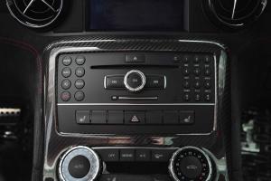 进口奔驰SLS级AMG 中控台音响控制键