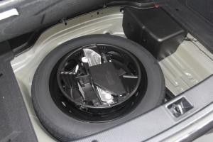 E级双门轿跑车(进口)备胎图片