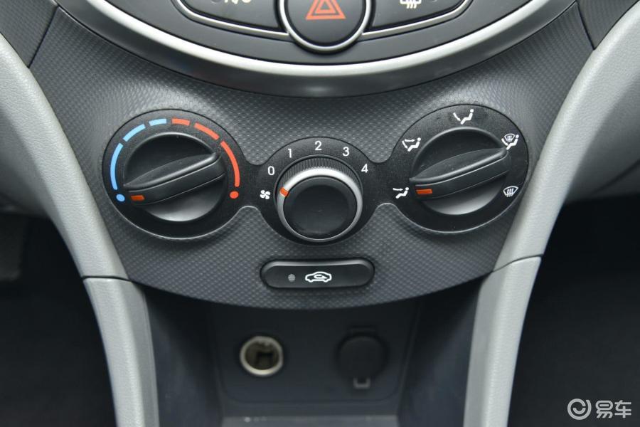 瑞纳汽车空调按键图解