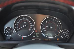 进口宝马3系旅行轿车 仪表盘背光显示