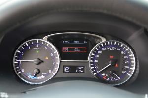 英菲尼迪QX60仪表盘背光显示图片