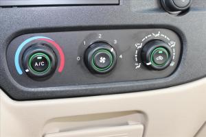��C��代全��                中控台空调控刉���