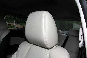 昂克赛拉三厢驾驶员头枕图片