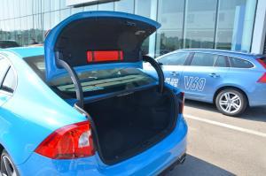进口沃尔沃S60           行李厢开口范围
