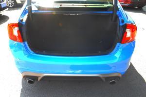 进口沃尔沃S60 行李箱空间