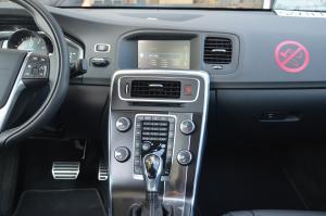 沃尔沃S60(进口)中控台正面图片