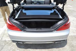 AMG SL级行李箱空间图片
