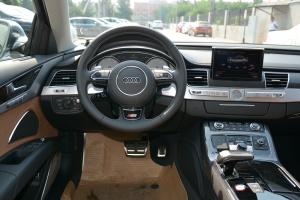 S8驾驶位区域