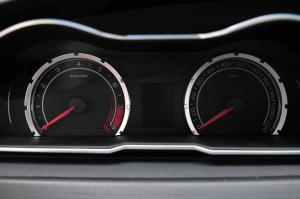 MG 6两厢仪表盘背光显示图片