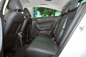 MG 6两厢后排空间图片