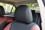 比亚迪G5驾驶员头枕图片