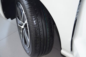 POLO轮胎花纹