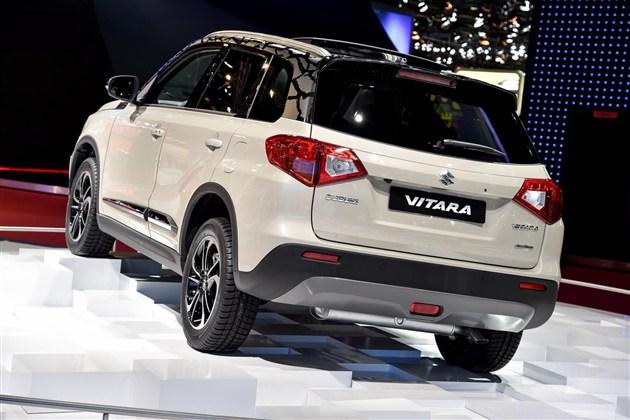 其实对于中国的SUV关注者来说,维特拉并不陌生,其前辈超级维特拉凭借硬派的设定以及可靠的越野能力一直为人所称道,但也由于进口身份导致的过高售价使其市场表现并不是十分出色。如今国产的消息使得这款车型将重新杀入市场,不过我们预计长安铃木很可能选择直接投产新一代的维特拉。