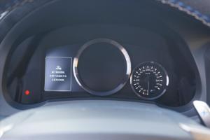 雷克萨斯RC F仪表盘背光显示图片
