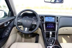 英菲尼迪Q50L完整内饰(驾驶员位置)图片