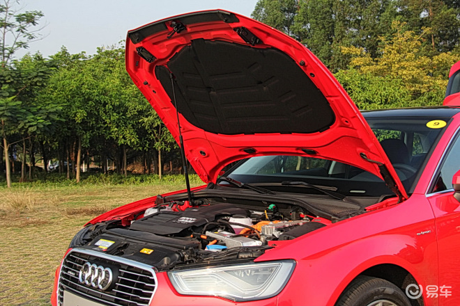 A3 Sportback e-tron 内饰-红色