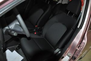 日产玛驰 驾驶员座椅