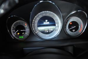 奔驰GLK级仪表盘背光显示图片