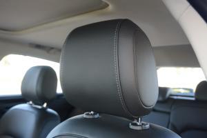 观致3都市SUV驾驶员头枕图片
