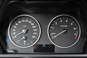 进口宝马2系旅行车 仪表
