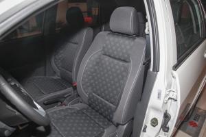 利亚纳A6三厢驾驶员座椅图片