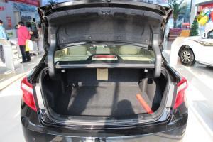 海马M8 行李箱空间