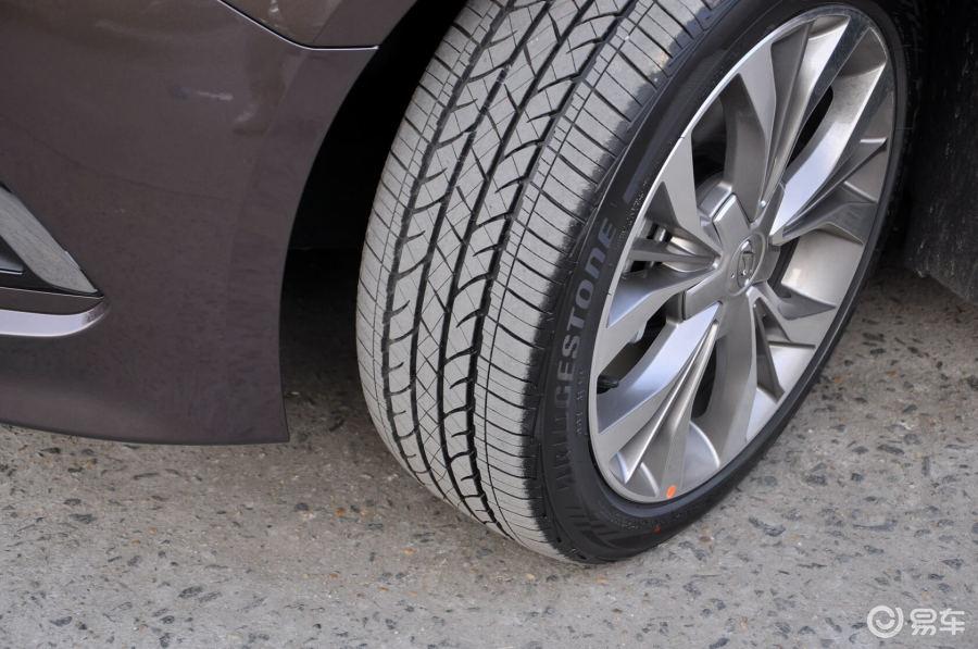【索纳塔九2015款基本型轮胎花纹汽车图片-汽车图片