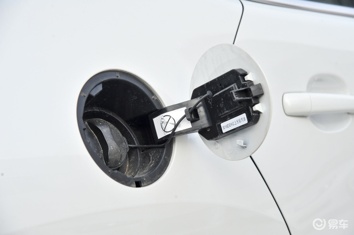 标致3008油箱盖 新款标致3008油箱盖 东风标致3008外观图片 509534高清图片