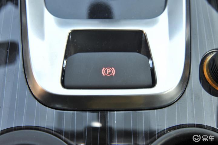标致3008驻车制动 手刹,电子,脚刹 新款标致3008驻车制动 高清图片