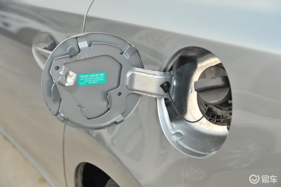 汽车油箱盖的工作原理_汽车油箱盖开关图解