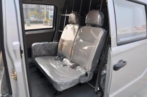 A9后排座椅图片