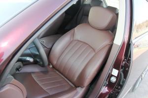 英菲尼迪QX50 驾驶员座椅