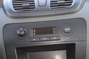 东风小康C32 中控台音响控制键