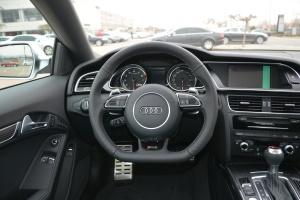 奥迪RS5 完整内饰(驾驶员位置)