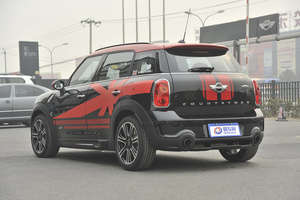 MINI COUNTRYMAN JCW 后45度(车头向左�Q�