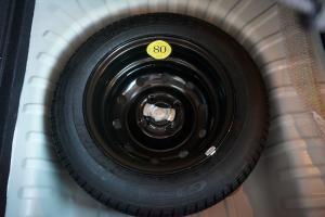 北汽绅宝D20 三厢版 备胎