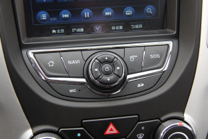 CS35中控台音响控制键