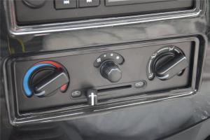 跨越王中控台空调控制键