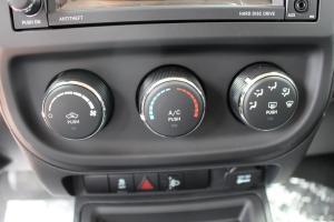 自由客 中控台空调控制键